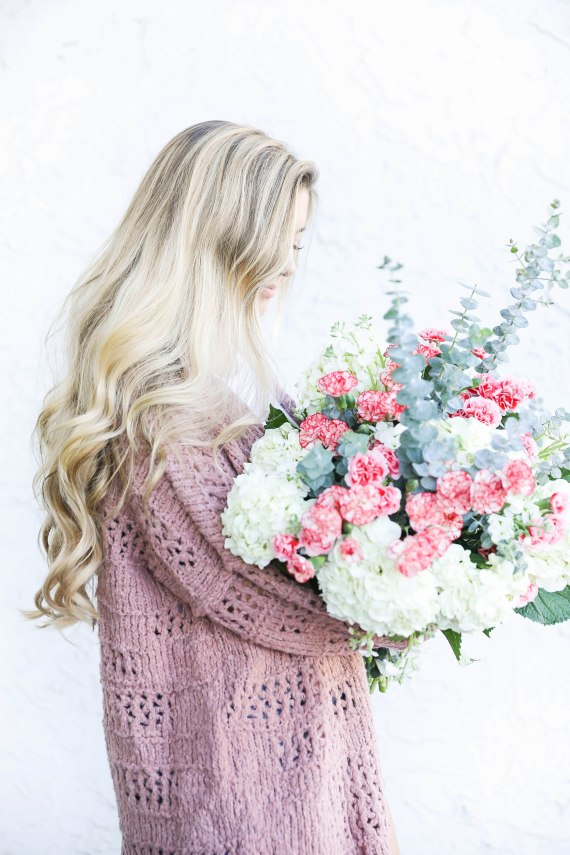 Free-people-cardigan-and-fresh-flowers-with-long-curly-hair-by-fashion-blog-daily-dose-of-charm-lauren-lindmark-4P6A8367
